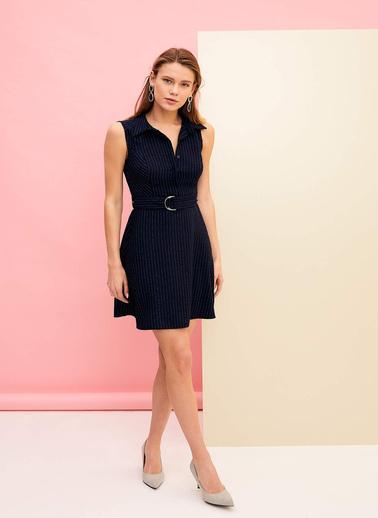 DeFacto Kemer Detaylı Kolsuz Elbise Lacivert